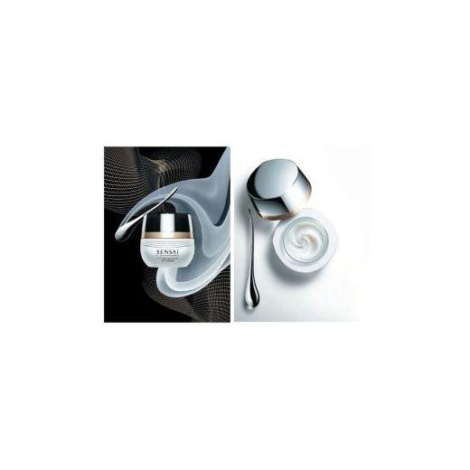 Sensai Cellular Performance Lift Remodelling Eye Cream  (Pārveidojošs liftinga krēms acu zonai)