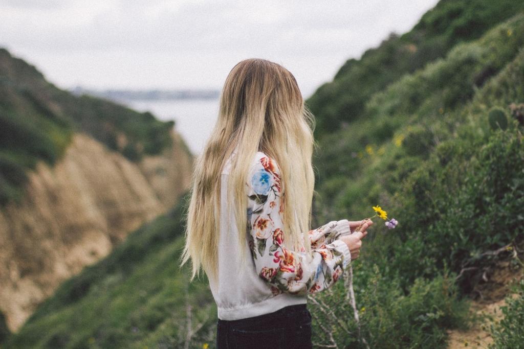 Neberzē un neķemmē slapjus matus