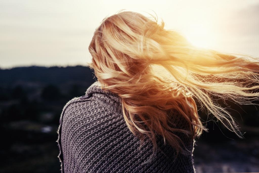 Izvēlies matu krāsu saudzējošu šampūnu un kondicionieri